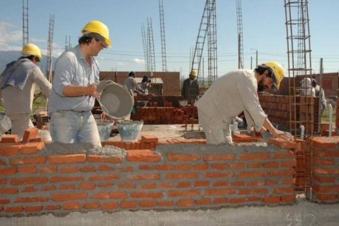Quedaron sin empleo en Entre Ríos casi 3.000 obreros de la construcción