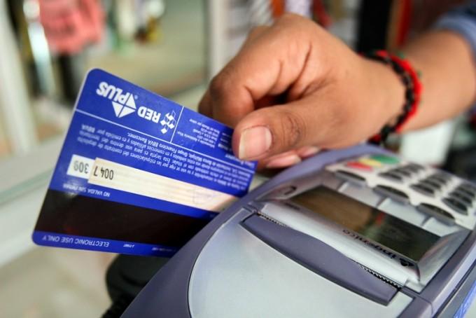 Todas las cajas de ahorro serán gratuitas, incluyendo el uso de su tarjeta de débito