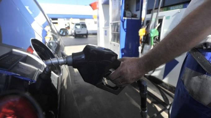 """La nafta volverá a subir en abril, por tercera vez en 2016, pero sería """"el último aumento del año"""""""