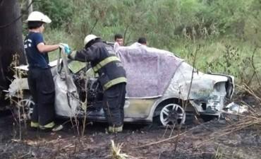 Dos federalenses perdieron la vida carbonizados tras trágico accidente en la Ruta 22