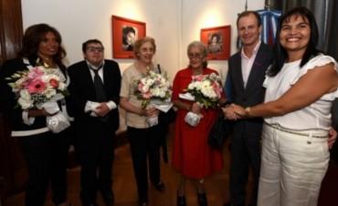 El Gobernador inauguró el salón mujeres entrerrianas de casa de gobierno.