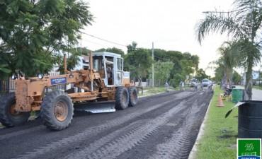 TRABAJOS DE RECONSTRUCCIÓN  EN EL ASFALTO DE Bv. URQUIZA