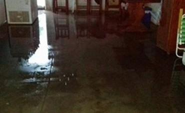 FEDERAL: Tras la lluvia hubo vecinos anegados y se acusa al Municipio de no acudir al llamado