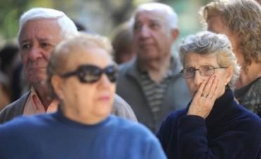 Oficializaron el aumento de jubilaciones, pensiones y asignaciones familiares