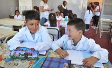 ANUNCIO POCO EFECTIVO: Reclaman el pago de la ayuda escolar