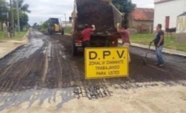 Colocaron asfalto reciclado en el acceso a Aldea Spatzenkutter