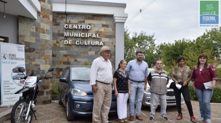 EL PRESIDENTE DE LA COMISIÓN CENTRAL DEL FESTIVAL ENTREGÓ LOS PREMIOS DEL BONO CONTRIBUCIÓN