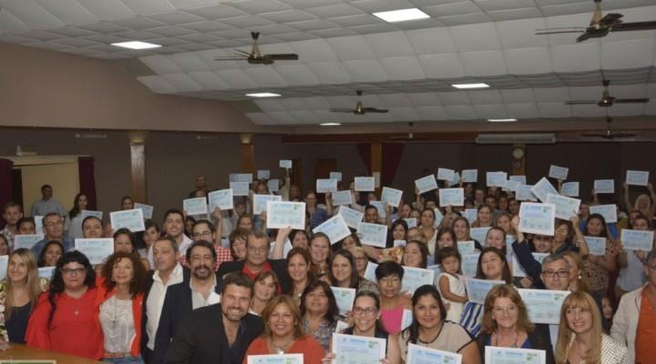 MÁS DE 200 PERSONAS RECIBIERON SU CERTIFICADO DE LA DIPLOMATURA EN ABORDAJE DE ADICCIONES