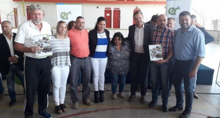 ENTREGA DE APORTES PARA CLUBES DE FEDERAL