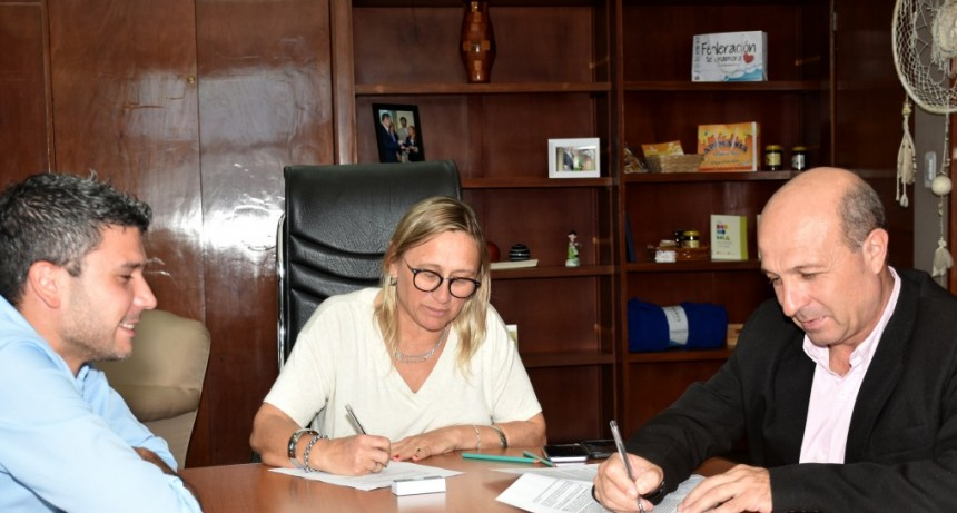Comenzó la firma de convenios con los municipios para fortalecer las políticas alimentarias provinciales