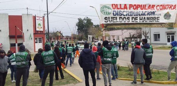 Trabajo dictó la conciliación obligatoria en el conflicto con los municipales de Sauce de Luna .