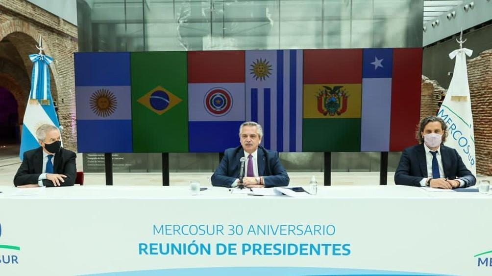 A 30 años de la creación del Mercosur, Fernández llamó a sus pares a