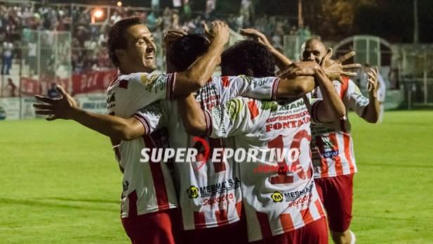 Triunfazo de Atlético Paraná frente a Instituto y se ilusiona con pelear la punta
