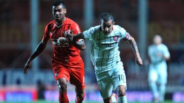 San Lorenzo le ganó al alicaído Independiente y se subió a la cima