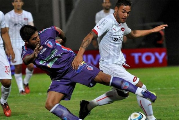 Independiente casi protagoniza un papelón, pero pasó por penales frente a Alianza Coronel Moldes por la Copa Argentina
