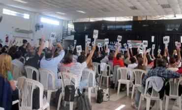 En una ajustada votación, Agmer aceptó la última oferta del Gobierno