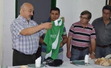 El Municipio entregó Equipo Deportivo a Las Delicias