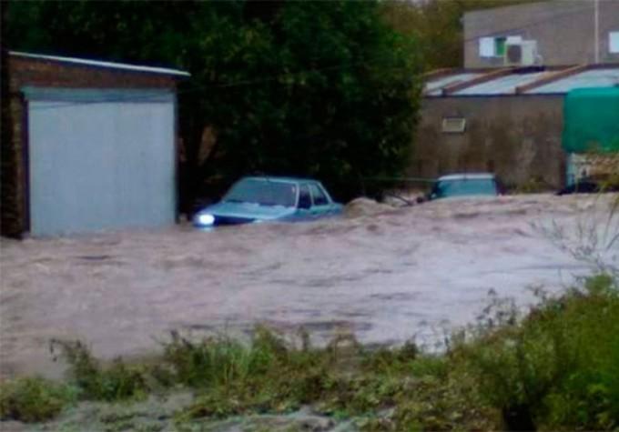 Miles de afectados por las lluvias en La Paz