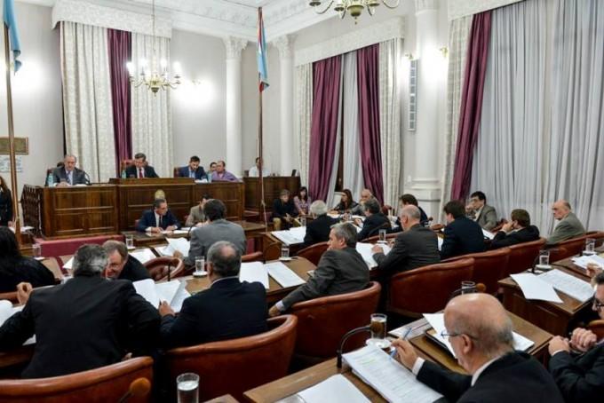 El Senado aprobó un proyecto para que el PAMI derogue la restricción de medicamentos gratuitos