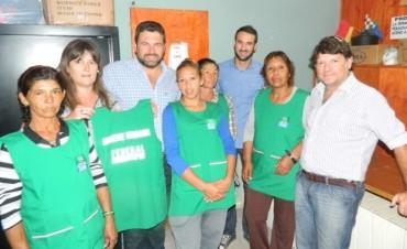Personal municipal de distintos sectores reciben indumentaria laboral