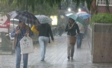 Pronostican un domingo lluvioso: Hay alerta por tormentas intensas