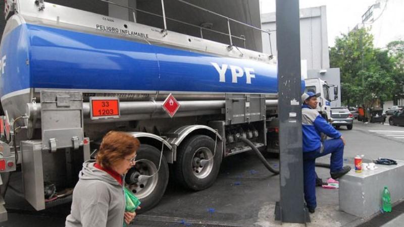 Nación anunció que baja el precio de combustibles