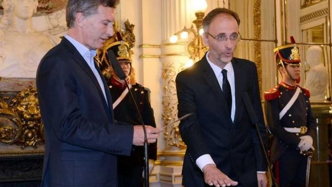 Balbín preparaba presentaciones críticas al papel del Gobierno por el Correo - El caso más complicado