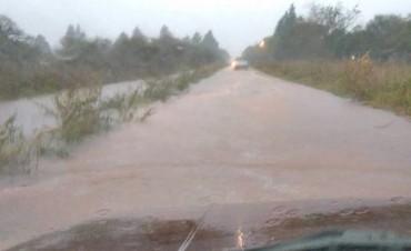 Las lluvias intensas complican a la ciudad y los caminos de ingresos