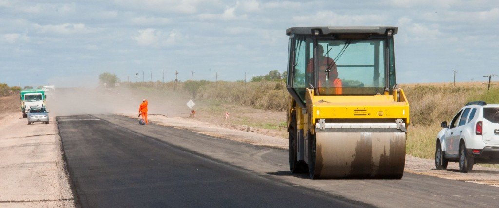 Avanza el asfaltado de la ruta 51 entre Larroque y Parera