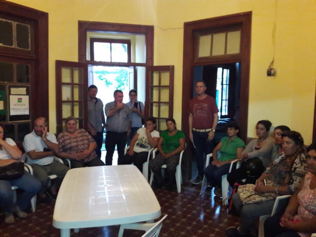 ENCUENTRO ENTRE EL MUNICIPIO Y LA RED COMERCIAL 127-12