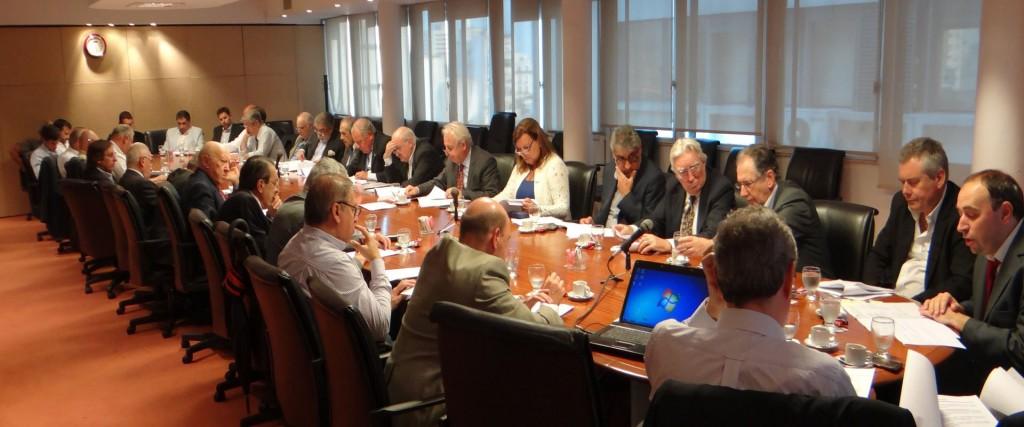 La titular de Vialidad Provincial participó de la asamblea general ordinaria de la Asociación Argentina de Carreteras