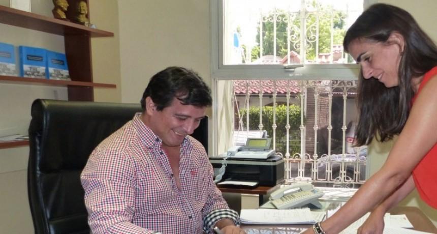 La Provincia rubricó el contrato de 16 viviendas en Federal con recursos propios