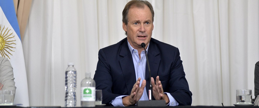 Bordet consulta con entidades e intendentes para elevar la propuesta a Nación