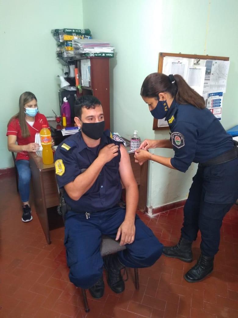 Continúa el Programa de Vacunación COVID-19 para personal policial