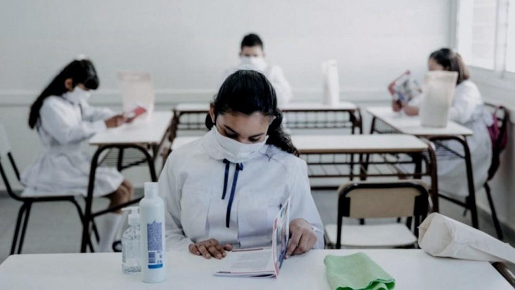Una revista científica italiana advierte que las clases presenciales incrementan los casos