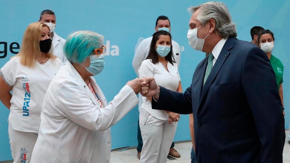 El Gobierno pagará un bono durante tres meses a 740.000 trabajadores de la salud