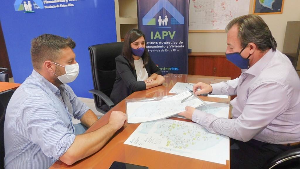 Gestionan nuevas viviendas para La Paz y Federal