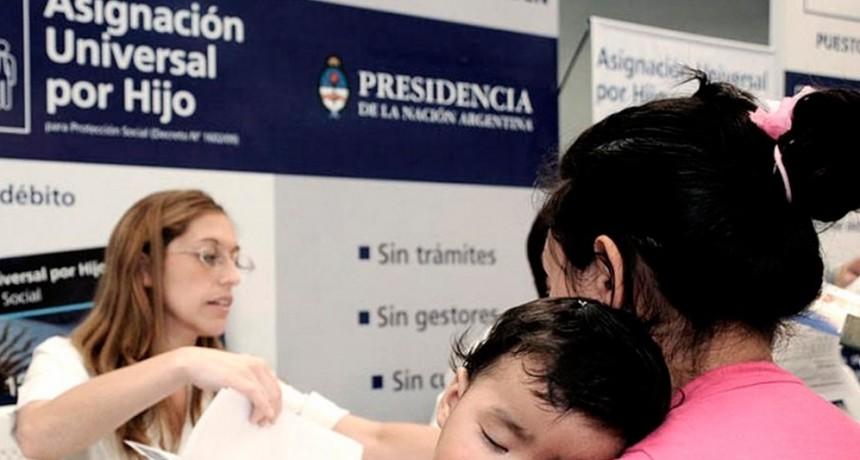 El Presidente anunció ayuda de 15 mil pesos a beneficiarios de AUH y otras asignaciones