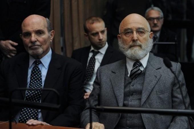 Represión de 2001: cuatro años y 9 meses de prisión a Mathov y cuatro años para Santos