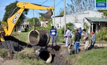 Se ejecutan en la ciudad mantenimiento vial, cuneteo, reparación y ampliación de la red cloacal