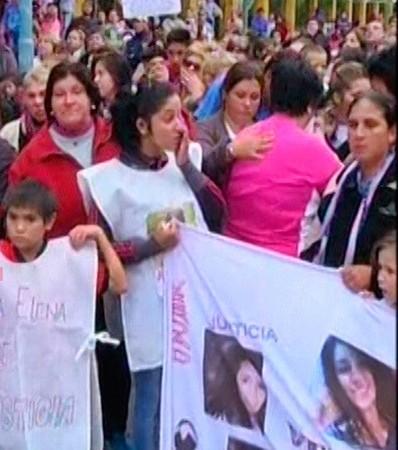 Santa Elena marchó por Gisela: