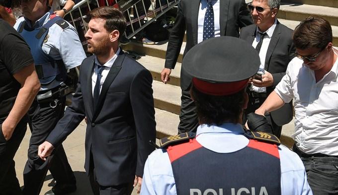 21 meses de prisión para Lionel Messi y su padre