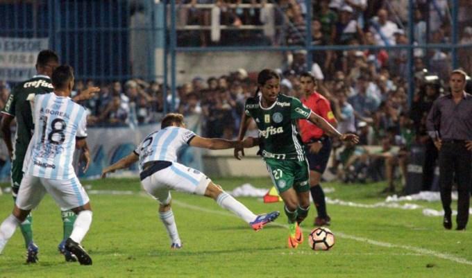 Atlético Tucumán va por el milagro en Brasil