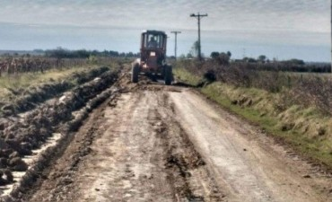 Vialidad continúa con las tareas de mejoramiento de los caminos en la provincia