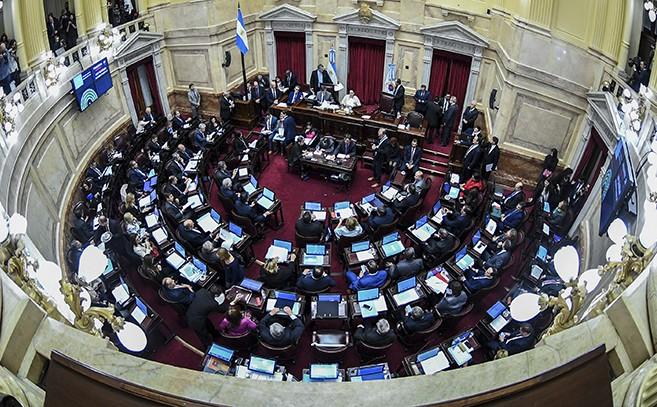 Con voto dividido de los entrerrianos, la oposición se impuso y convirtió en ley el freno a las tarifas