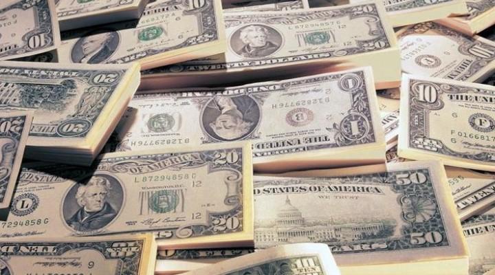 El dólar registró la mayor suba desde la salida del cepo: se disparó un 7% al récord $ 23,30