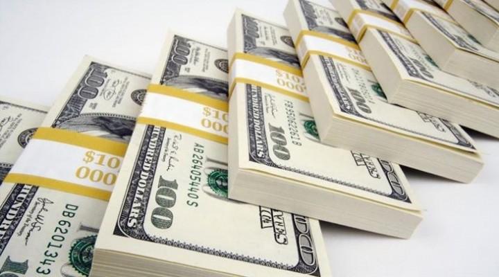 El dólar siguió imparable: se disparó un 7,3% a $ 25,52, su nuevo récord