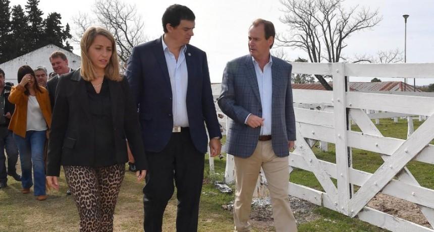 Bordet llevó a Nogoyá créditos blandos para el sector lechero