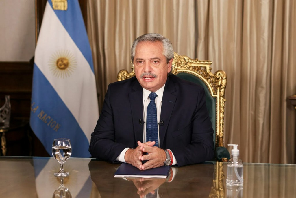 El Presidente anunció la extensión de la Tarjeta Alimentar, entre otras medidas económicas y sociales