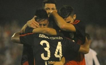 River fue muy superior a Liniers de Bahía Blanca y le ganó 2-0 en la Copa Argentina